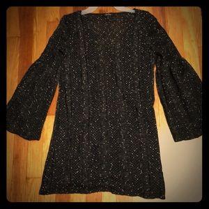 Black v-neck shift  dress